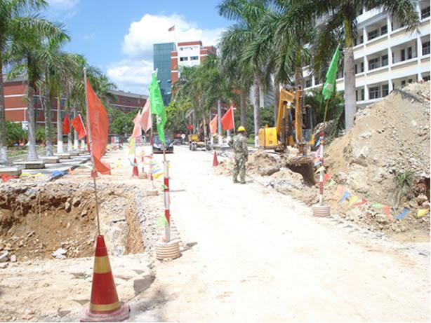 附:东大门竣工后效果图   、校园电力电网规划建设项目于7月25日开